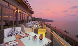 plum restaurant phuket