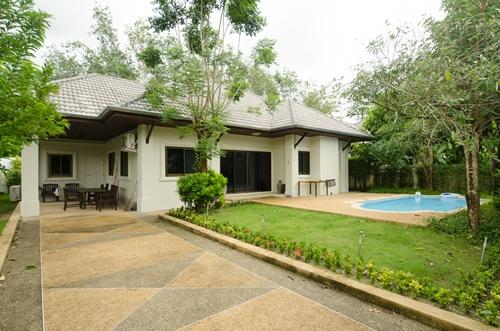 See Ploenchan Villa 1040 details