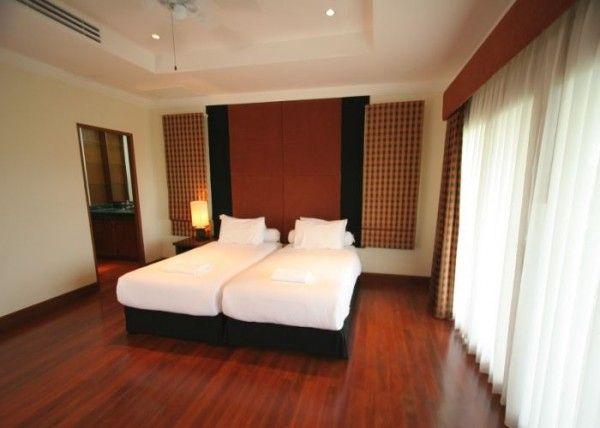 Spacious-5-Bedroom-Villa-in-Layan---11968.jpg
