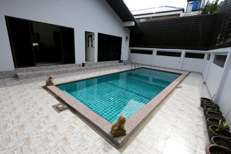 See Centrally located 3 bedroom pool villa - 1201 details