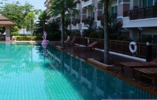 See Centrally Located & Modern 2 Bedroom Apartment - 1165 details