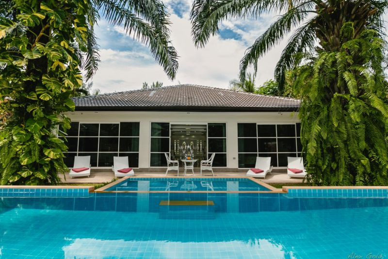 See Unique 4-Bedroom Villa - ID - 1287 details