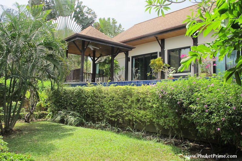 Modern-5-Bedroom-Pool-Villa---1350LR6.jpg