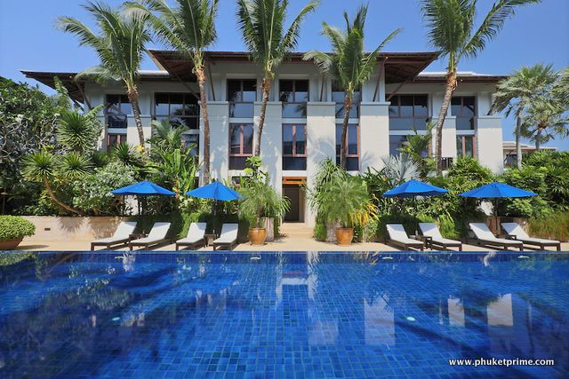 See Prestigious Marina-View 2-Bedroom Apartment - 1485 details