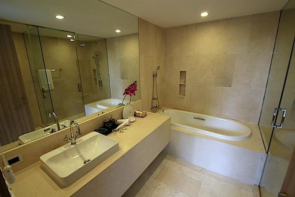 Luxury-3-Bedroom-Beachside-Apartment---1520-Baan-Mai-Khao4.jpg