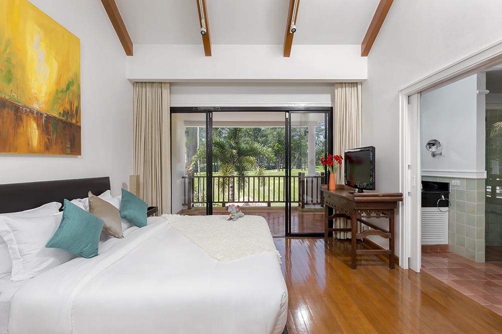 3-Bedroom-Golf-View-Villa---1524-Laguna-Fairway6.jpg