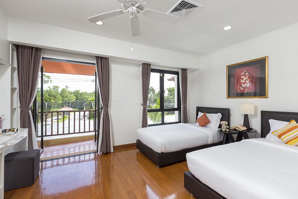 3-Bedroom-Golf-View-Villa---1524-Laguna-Fairway9.jpg