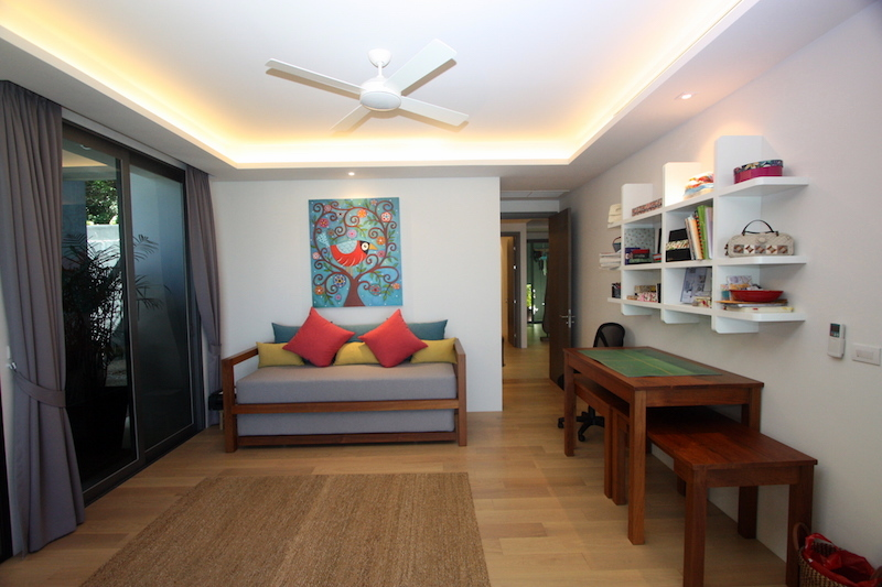 1576-Prime-apartment-at-Residences-Overlooking-Layan11.jpg