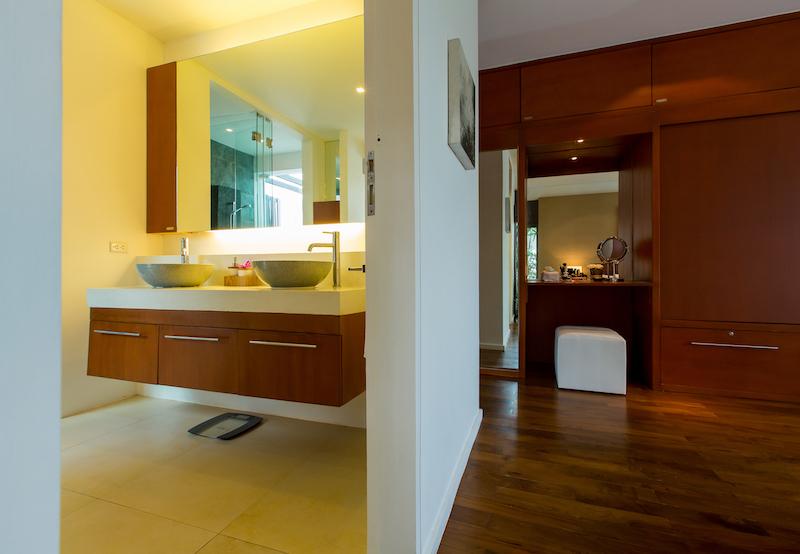 Stunning-Modern-3-Bedroom-Villa---1597-Laguna10.jpg