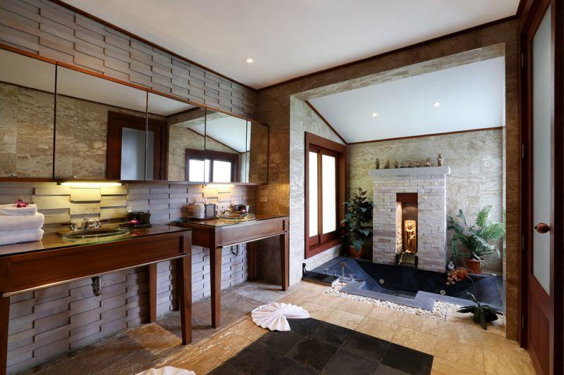 Captivating-5-Bedroom-Ocean-View-Villa---112110.jpg