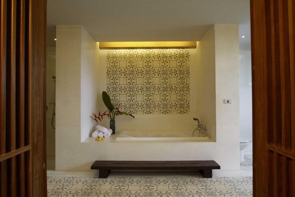 Sri Panwa-Room_3_-_016.jpg
