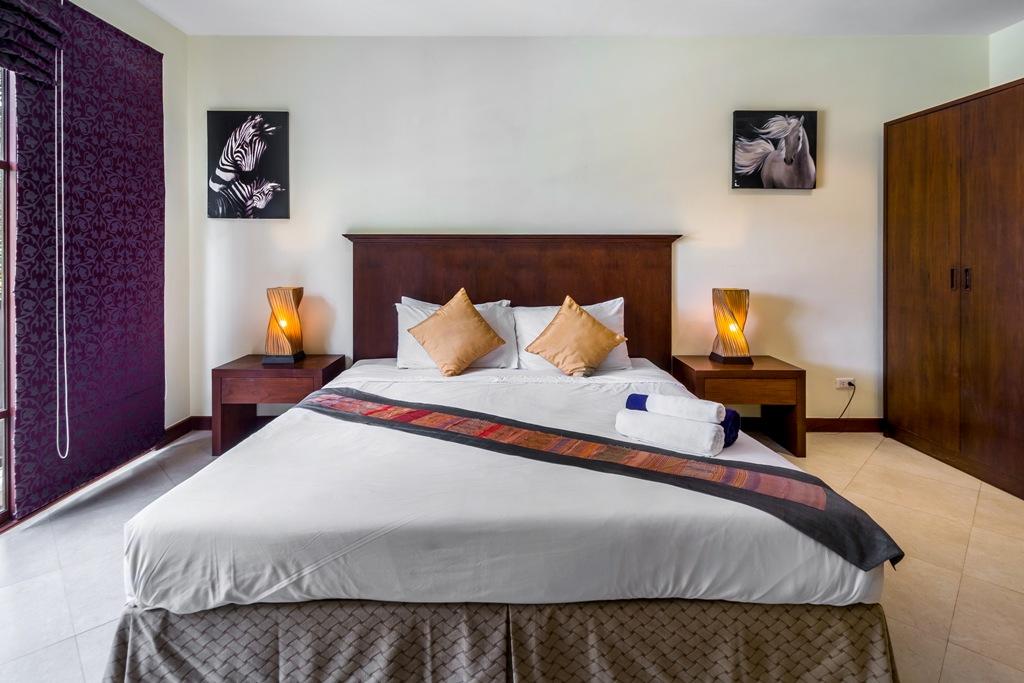 2 Bed Apartment Close To Beach-Baan Puri 03.jpg