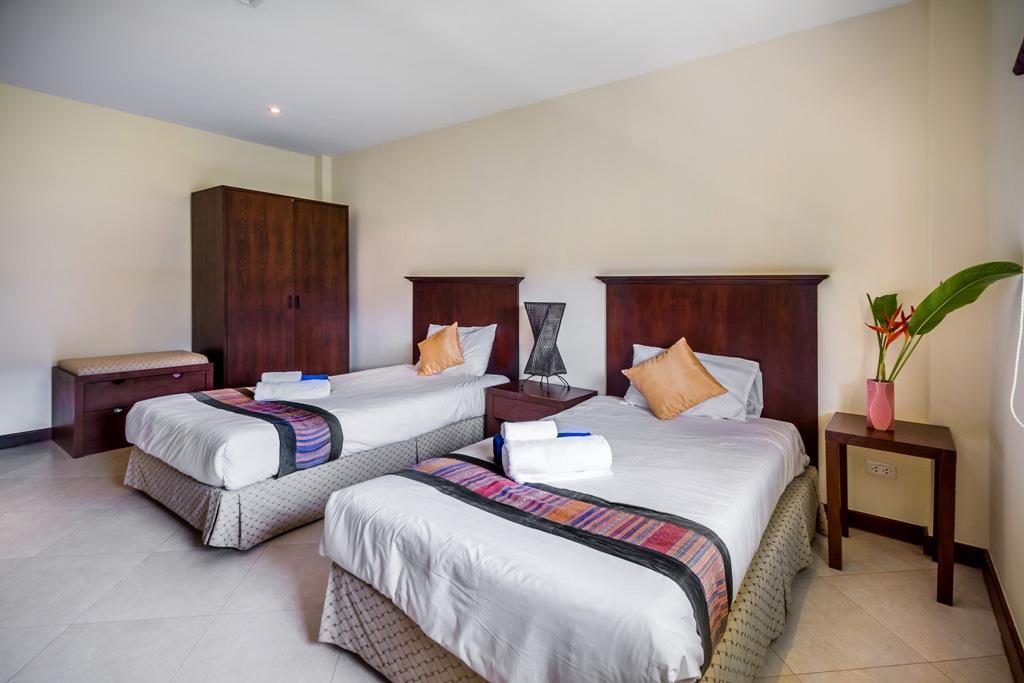2 Bed Apartment Close To Beach-Baan Puri 05.jpg