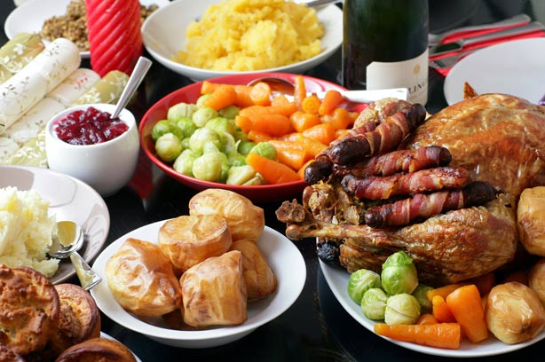 as christmas creeps closer and closer whether you are living in phuket full time or are here on holiday those of you from western world nations will be - British Christmas Dinner